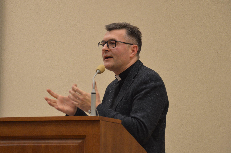 Ks. dr Sylwester Warzyński: humanizm to kwestia sposobu rozumienia człowieka