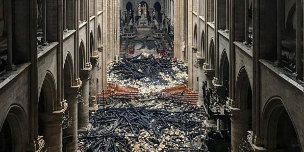 Przewodniczący Episkopatu apeluje o wsparcie odbudowy katedry Notre-Dame