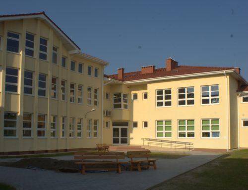 Szkoła Jana Pawła II w Łochowie zaprasza na koncert